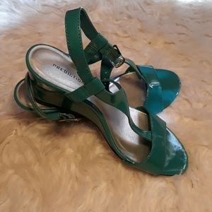 NWOT Teal strappy wedges